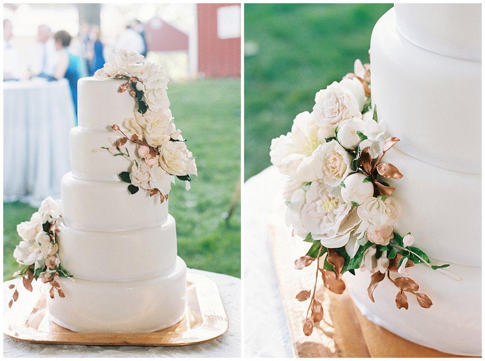 Elegant Farm Wedding | Hopeland Farm Lititz, PA | Pennsylvania Weddings | www.redoakweddings.comElegant Farm Wedding | Hopeland Farm Lititz, PA | Pennsylvania Weddings | www.redoakweddings.com
