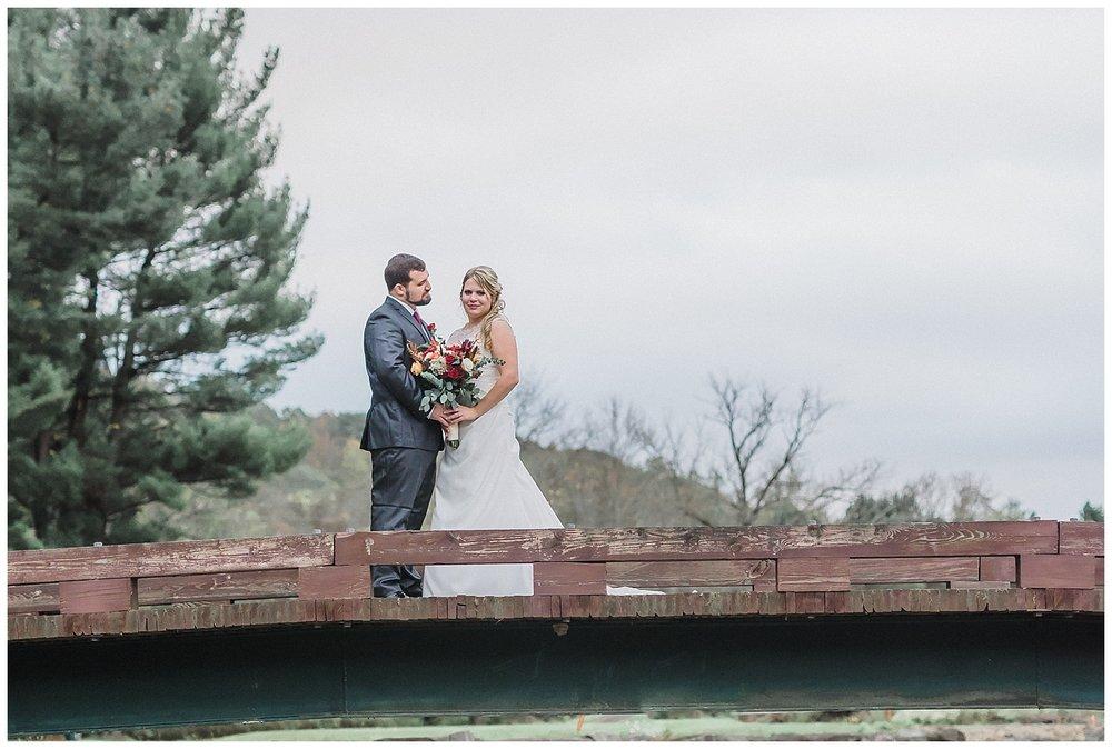 Pennsylvania Outdoor Fall Wedding | Conewango Valley Country Club | Warren, PA | www.redoakweddings.com