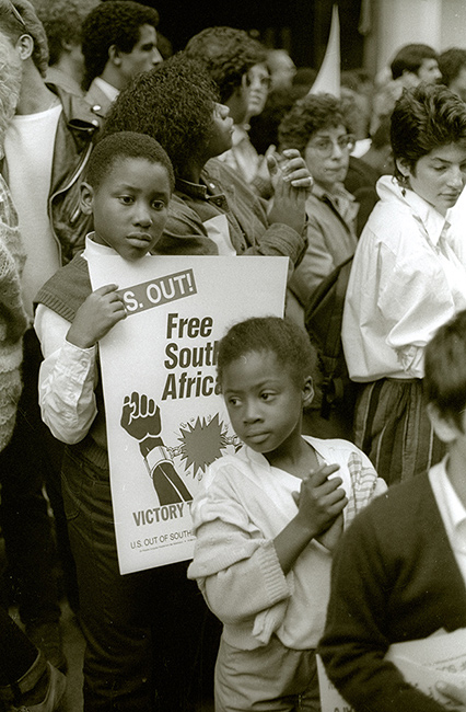 Two-children-South-African-protest.jpg