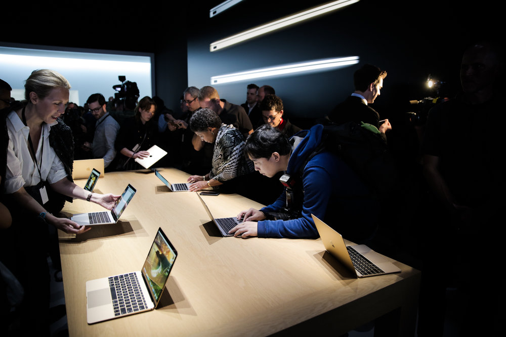 Attendees try the new Macbook's keyboard during the Spring Forward Apple event at San Francisco's Yerba Buena Center. Photo: Josh Valcarcel/WIRED