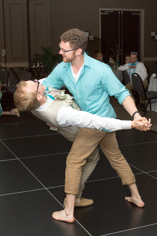 bride_groom_money_dance_reception_4.jpg
