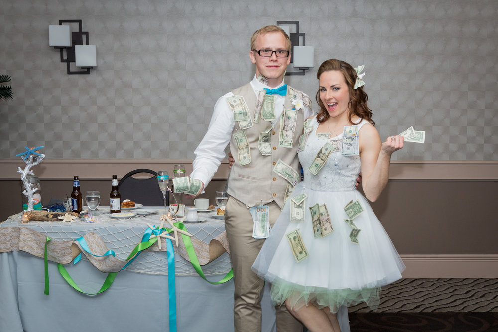 bride_groom_money_dance_photography