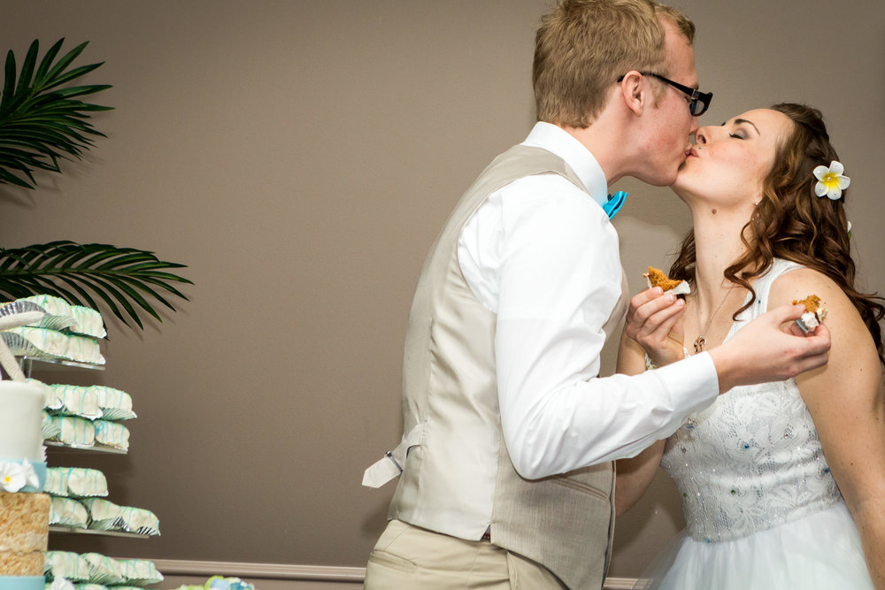 bride_groom_wedding_cake_1.jpg