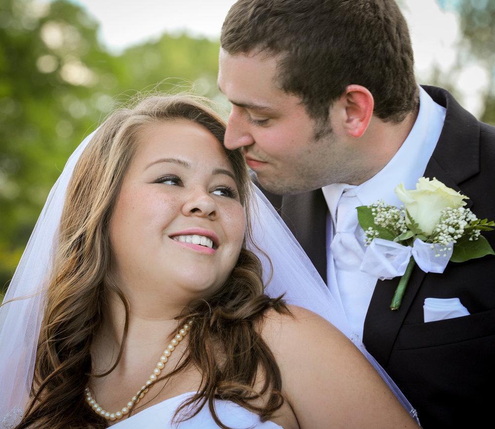 Bride_groom_wedding_photo_3.jpg