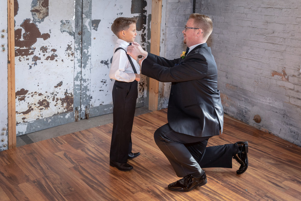 groom_getting_ready_tuxedo.jpg