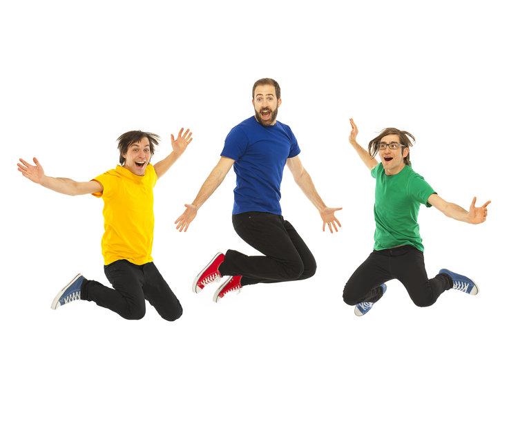 Will Stroet and The Backyard Band - Lundi 4 juin @ 11hAmusant et cinétique Will Stroet et sa bande d'arrière-cour font un spectacle de haute énergie en anglais et en français avec des actions amusantes et des chœurs chantant. Les enfants vont applaudir pour les bibliothèques, aimer leurs vélos et acclamer les légumes!Les chansons originales de rock, pop et blues de Will touchent l'imagination, la lecture et l'alphabétisation, le sport et l'esprit sportif, l'art, la sécurité routière et la vie active.