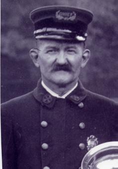 1918-1915 Warren Doremus