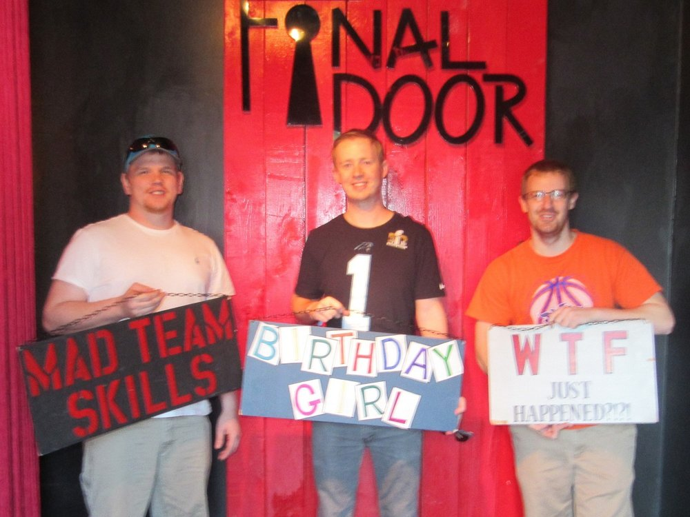 the-final-door-escape-room-columbia-sc-team-picture-01.jpg