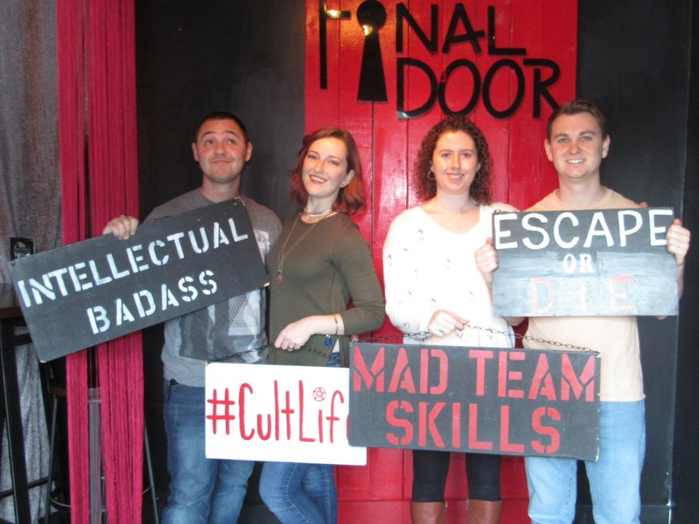 the-final-door-escape-room-columbia-sc-team-picture-nov-25-2017-03.jpg
