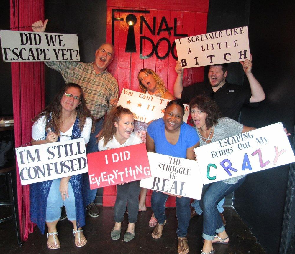 the-final-door-escape-room-columbia-team-picture-6.jpg