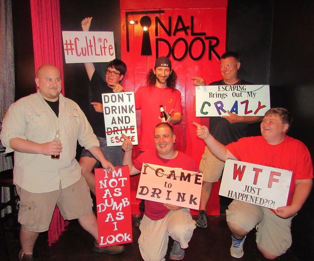 the-final-door-escape-room-columbia-team-picture-7.jpg