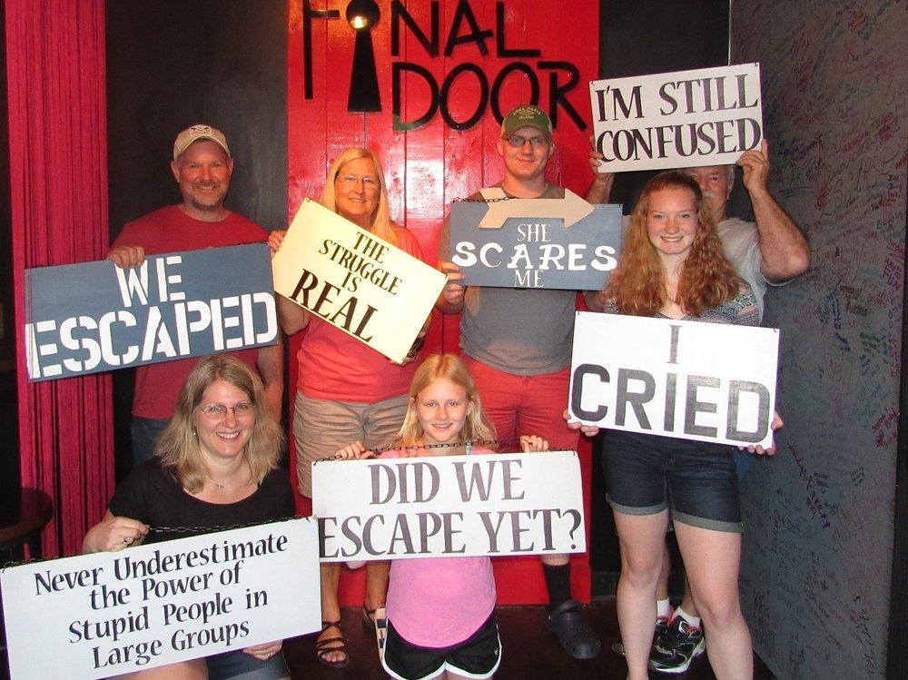 the-final-door-escape-room-columbia-team-picture-8.jpg