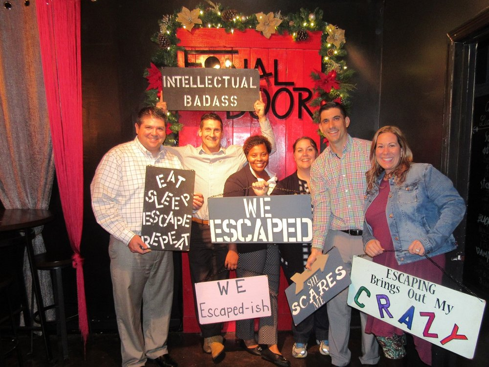 the-final-door-escape-room-columbia-sc-team-photos-dec-11-17-01.jpg