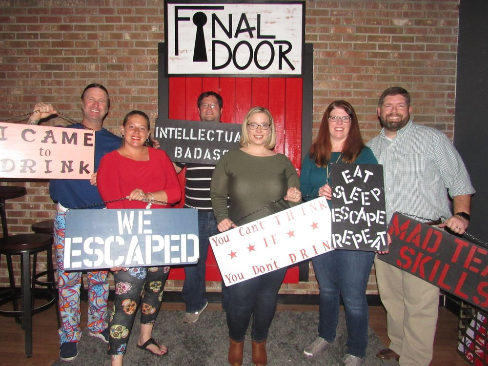 the-final-door-escape-room-columbia-sc-team-photos-mar-17-2018-10.JPG