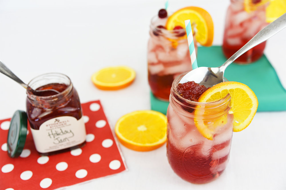 brit + co (oct 2016): jam and booze finally meet in this bubbly cranberry zinger jam jar cocktail