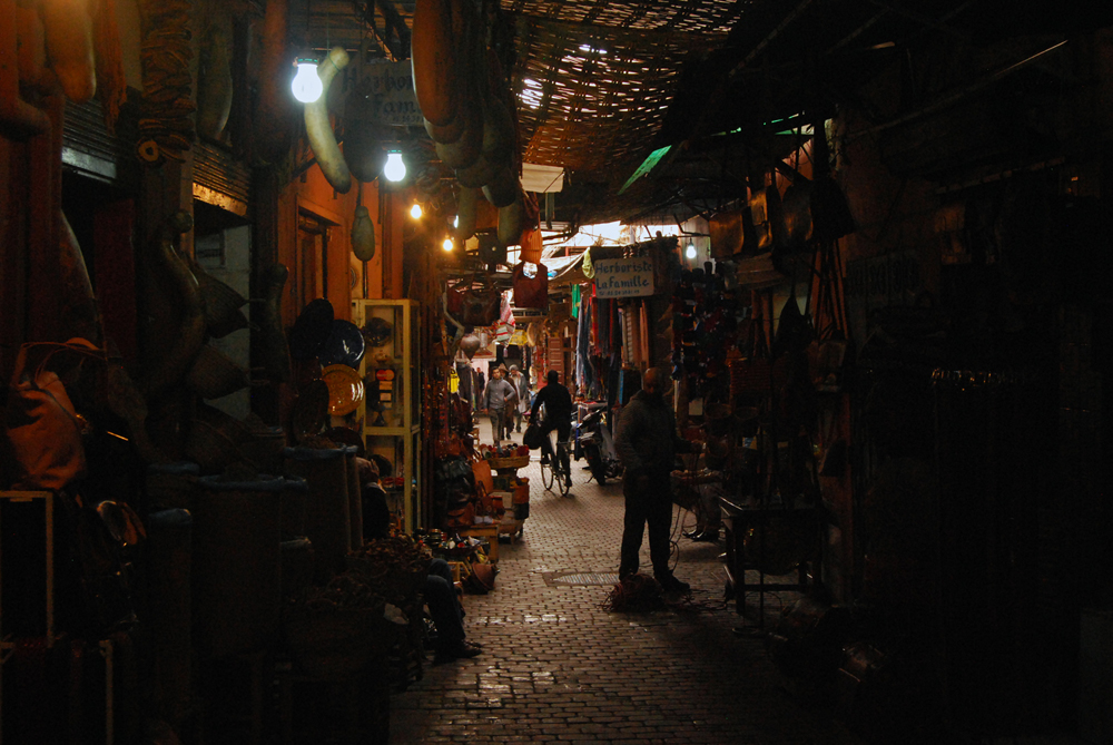 Marrakech's Medina is dotted with big or small souks, which can consist of only a few alleys or entire complexes. Makeshift covers run from building to building to protect people and merchandise from the occasional rain or from the intense heat.