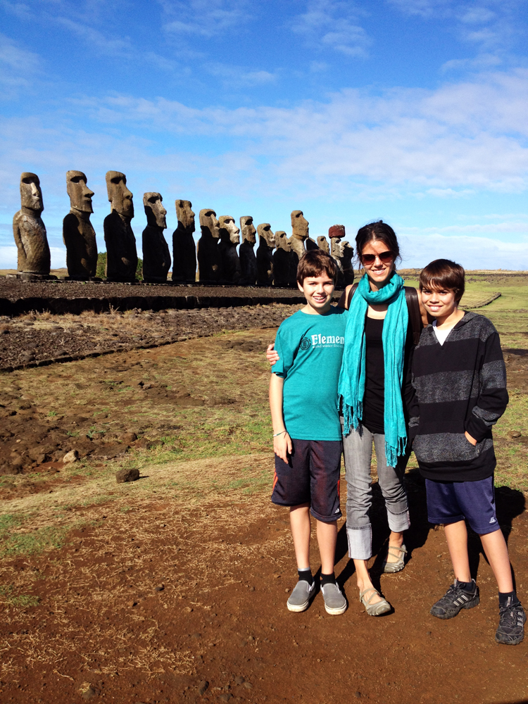 Family photo with the fifteen gigantic sculptures on the largest ceremonial platform.