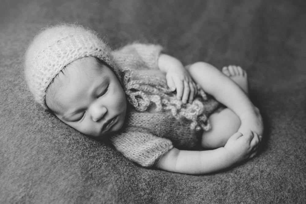 marshall newborn   (56).jpg