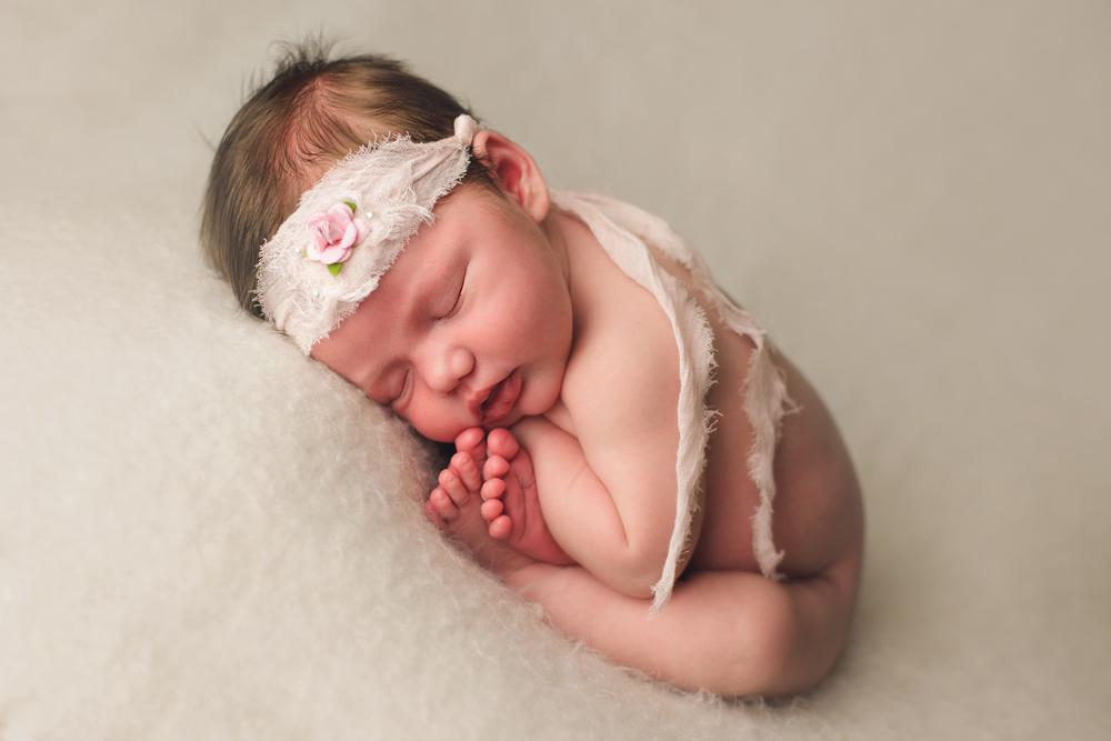 mackenzie newborn  (3).jpg
