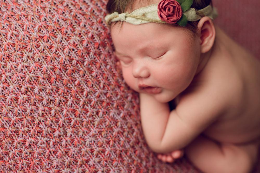 mackenzie newborn  (21).jpg