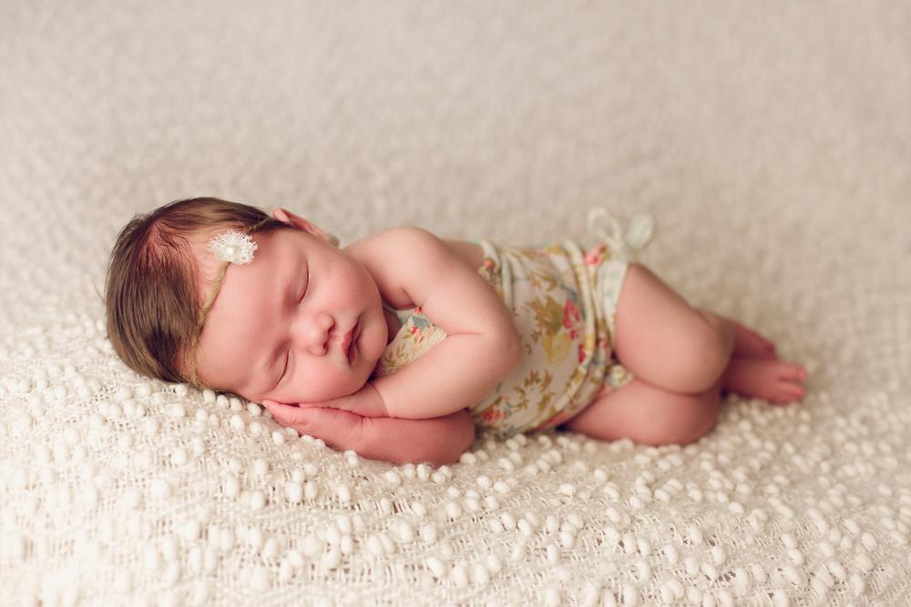 mackenzie newborn  (32).jpg