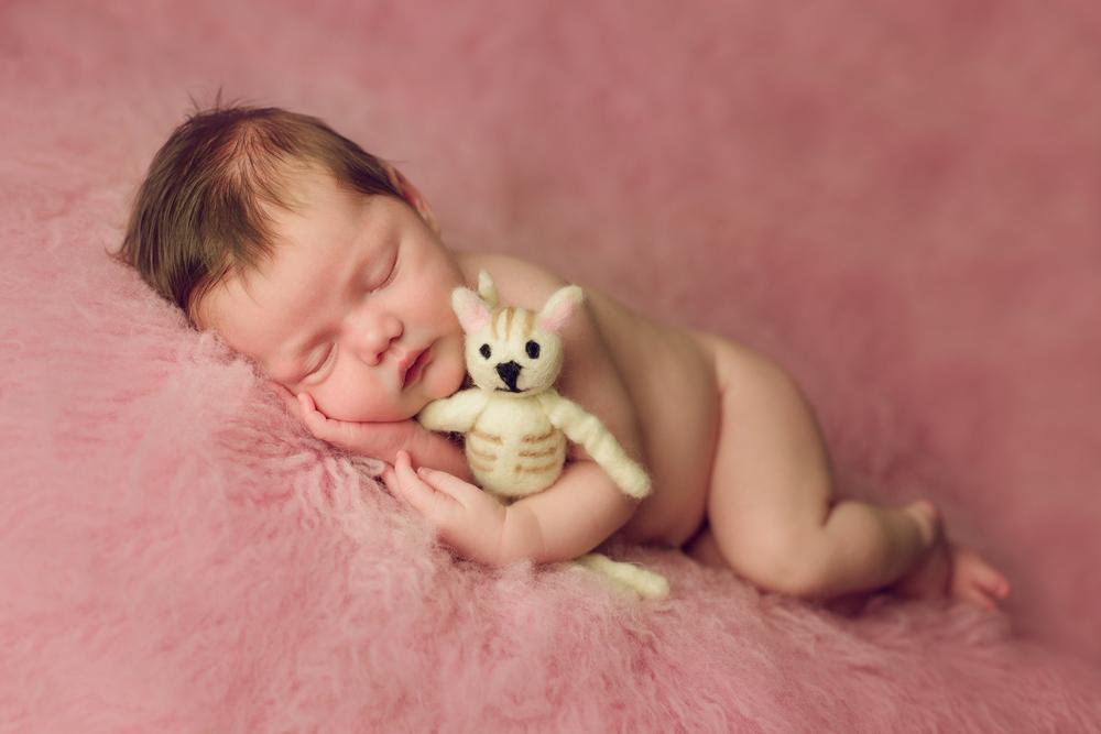 mackenzie newborn  (37).jpg