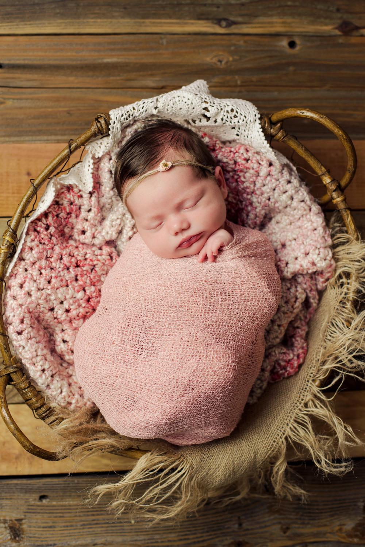 mackenzie newborn  (74).jpg