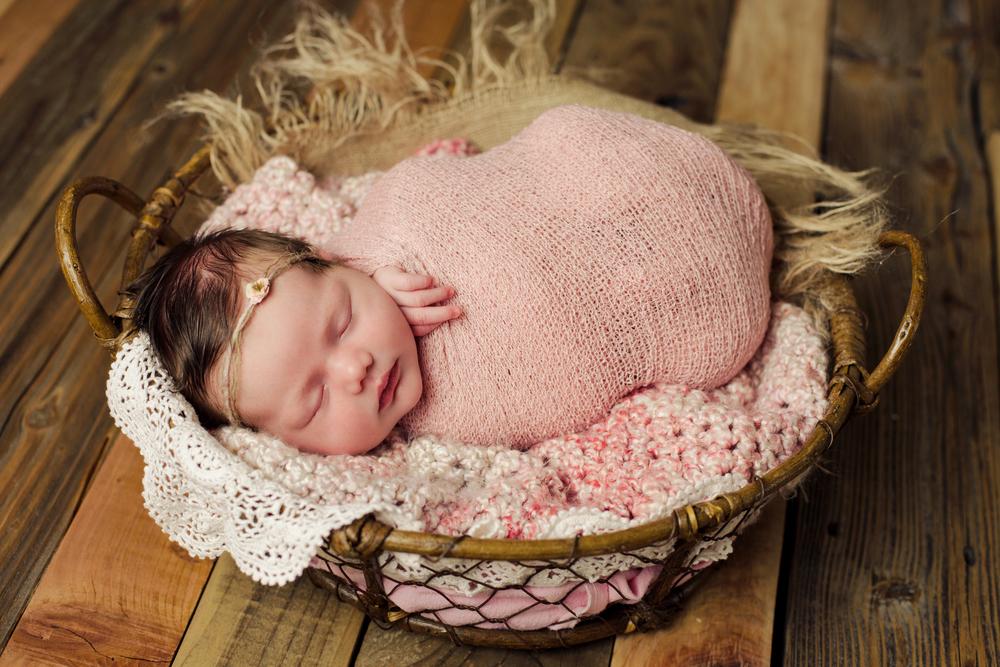 mackenzie newborn  (81).jpg