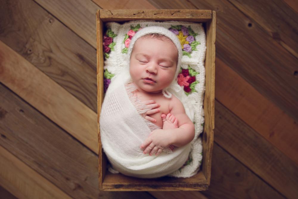 ruby newborn  (74).jpg