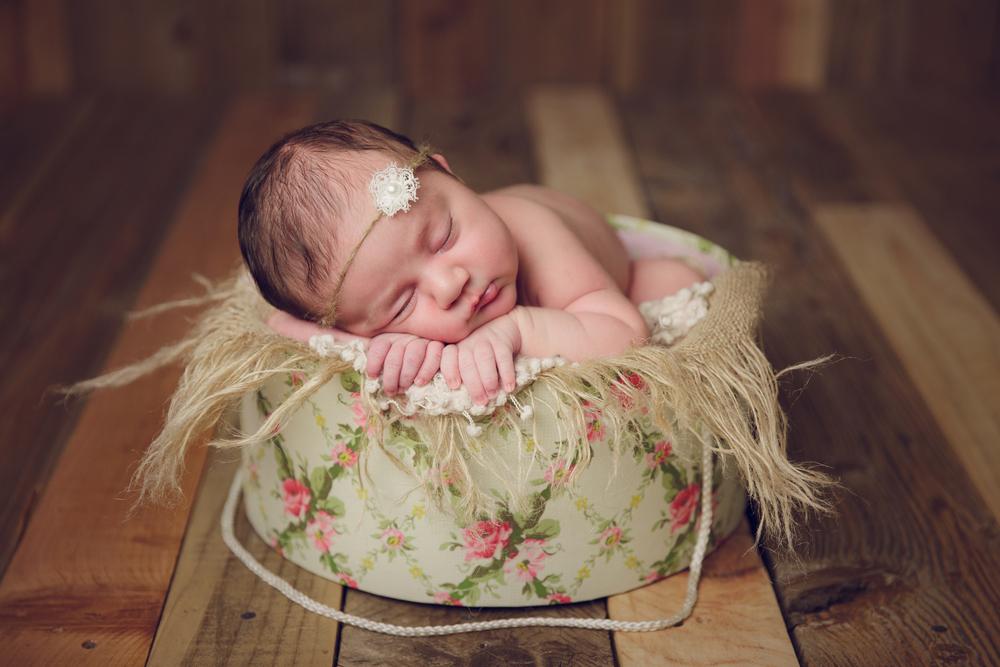 ruby newborn  (82).jpg