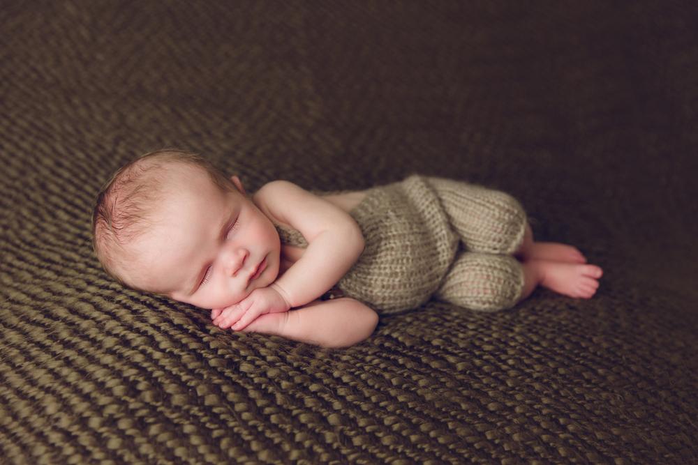 charlie newborn  (15).jpg