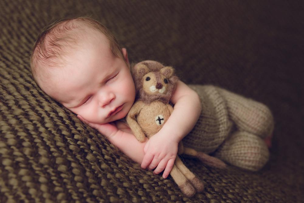 charlie newborn  (20).jpg