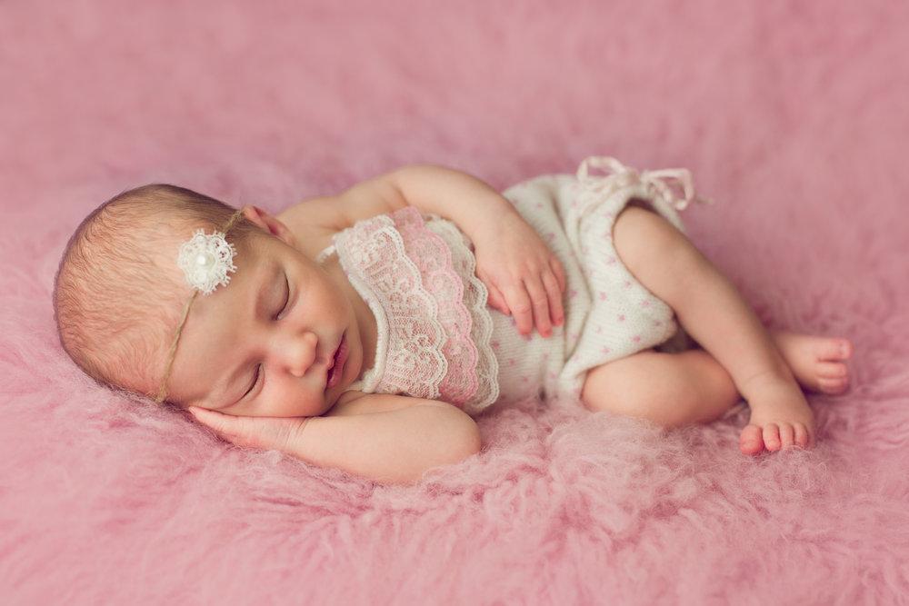 bellina newborn  (32).jpg