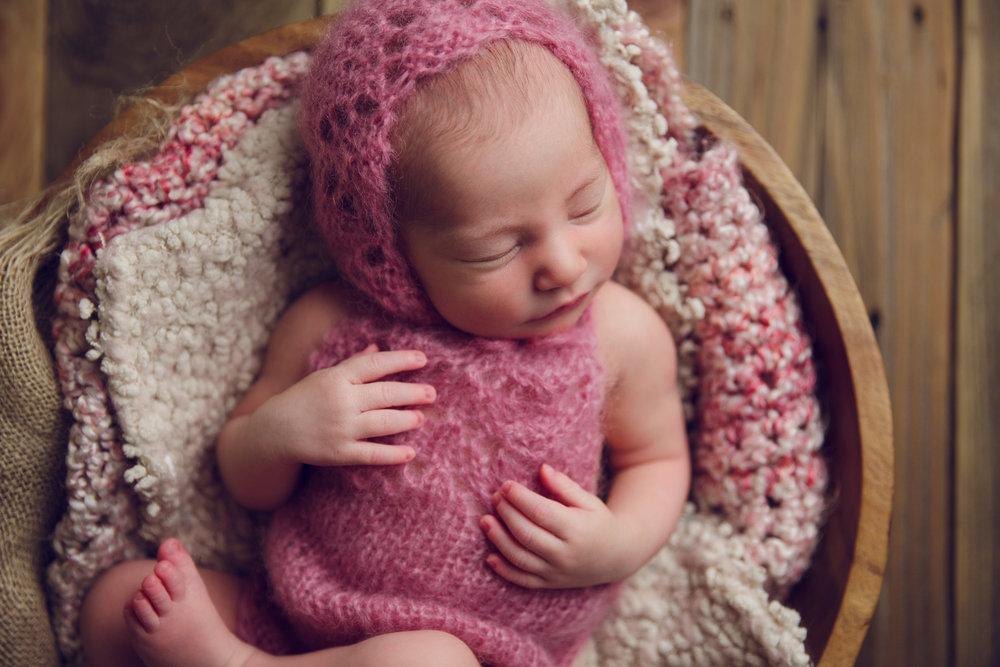 bellina newborn  (54).jpg