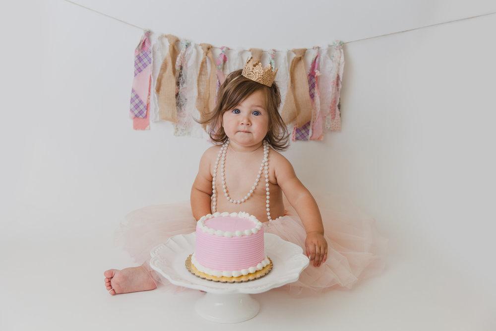 evelyn cake smash -25.jpg