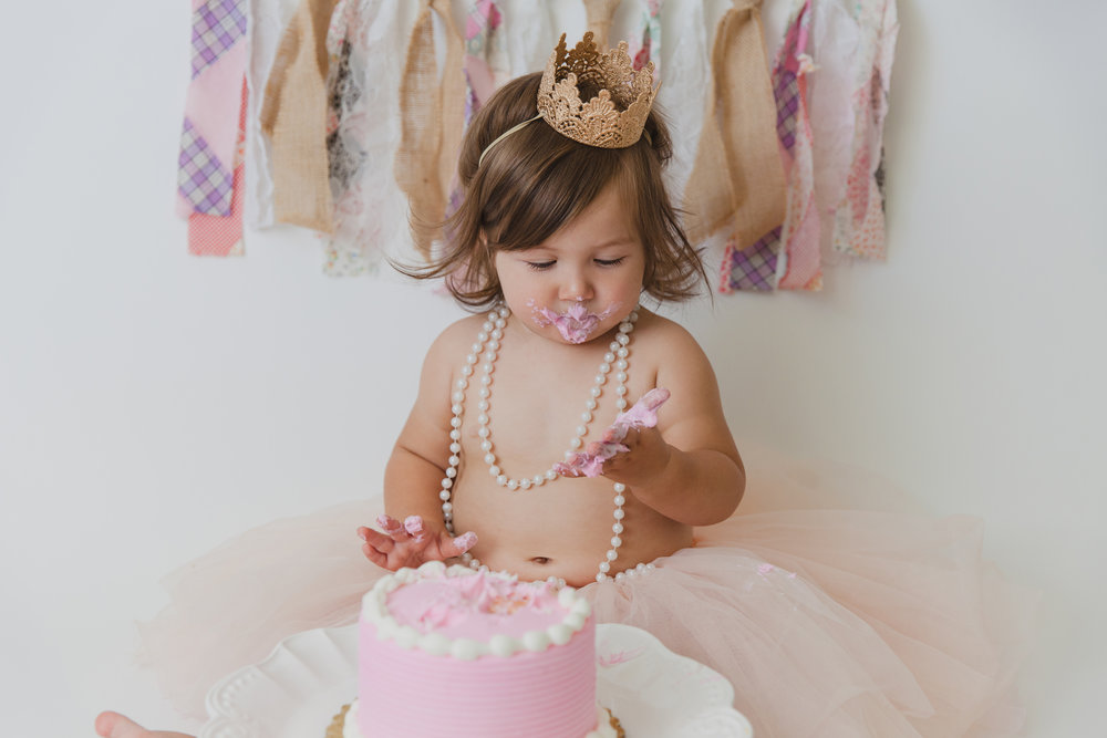 evelyn cake smash -40.jpg