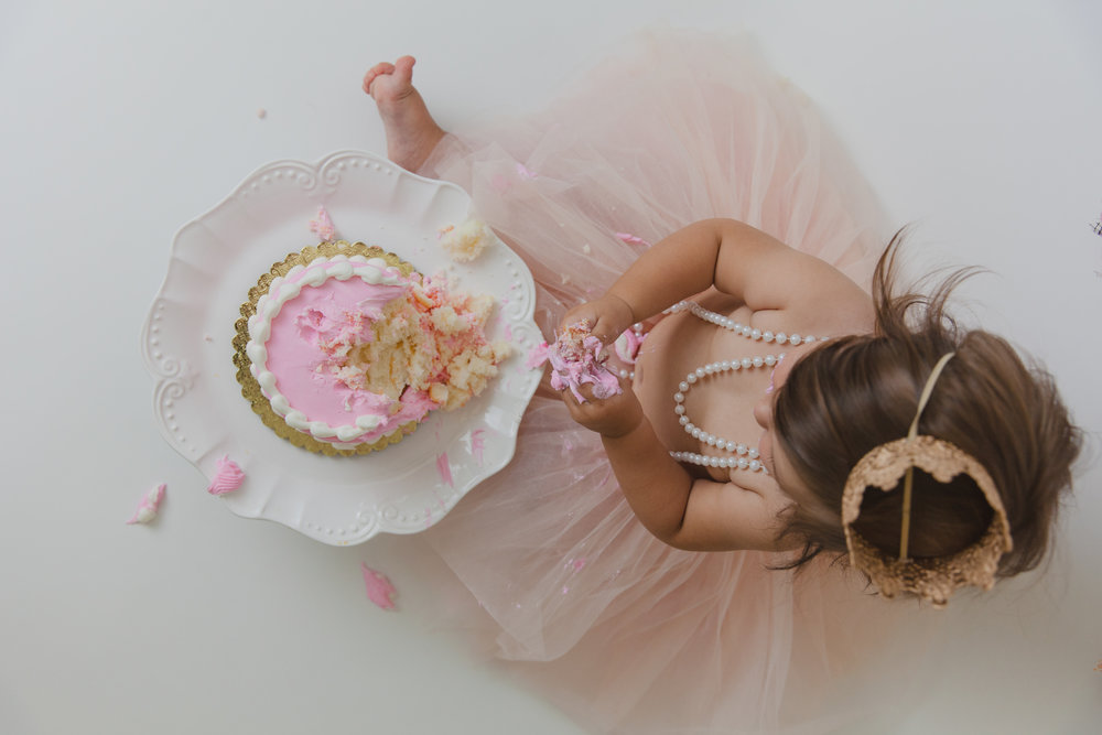 evelyn cake smash -48.jpg