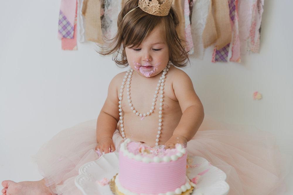evelyn cake smash -60.jpg