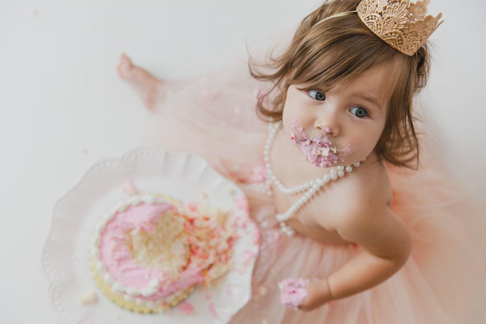 evelyn cake smash -64.jpg