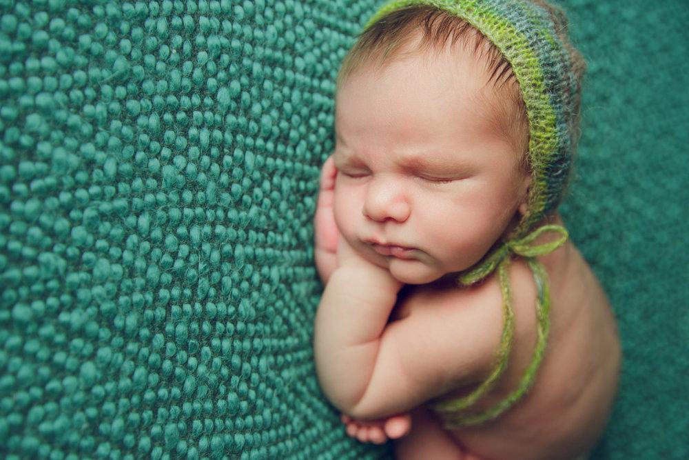 myles newborn  (19).jpg