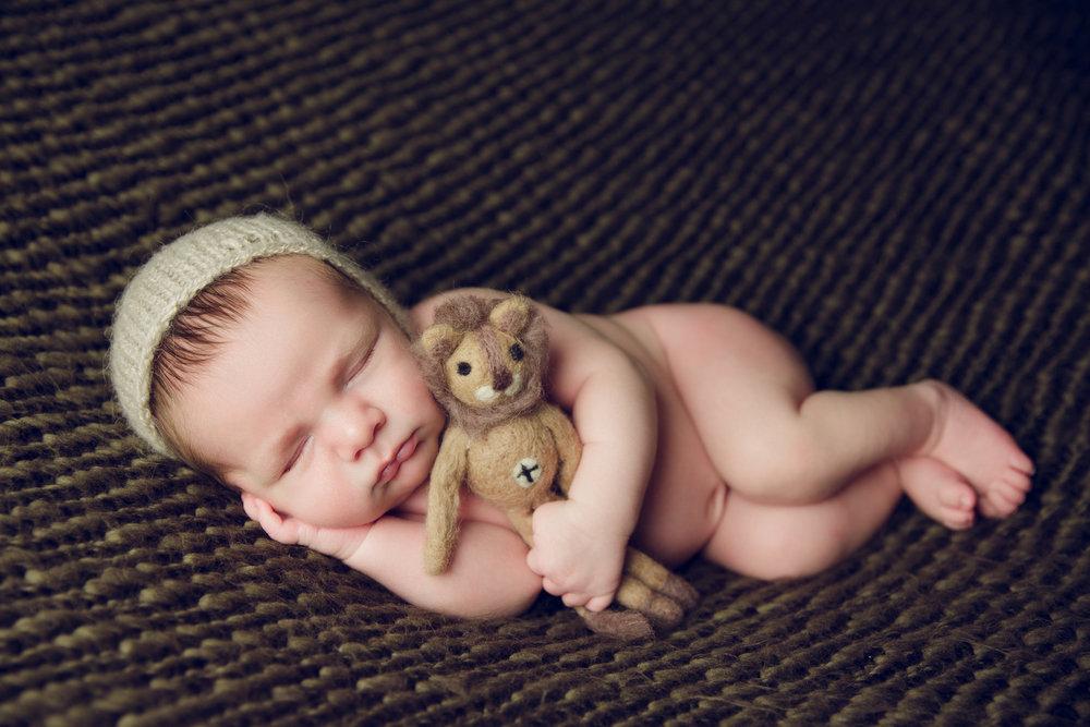 myles newborn  (44).jpg
