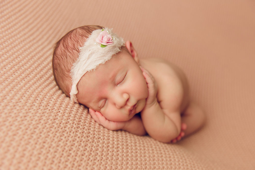 willow newborn photo  (29).jpg