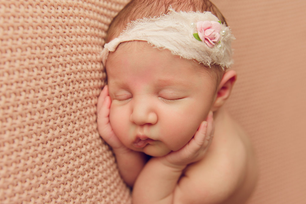 willow newborn photo  (33).jpg