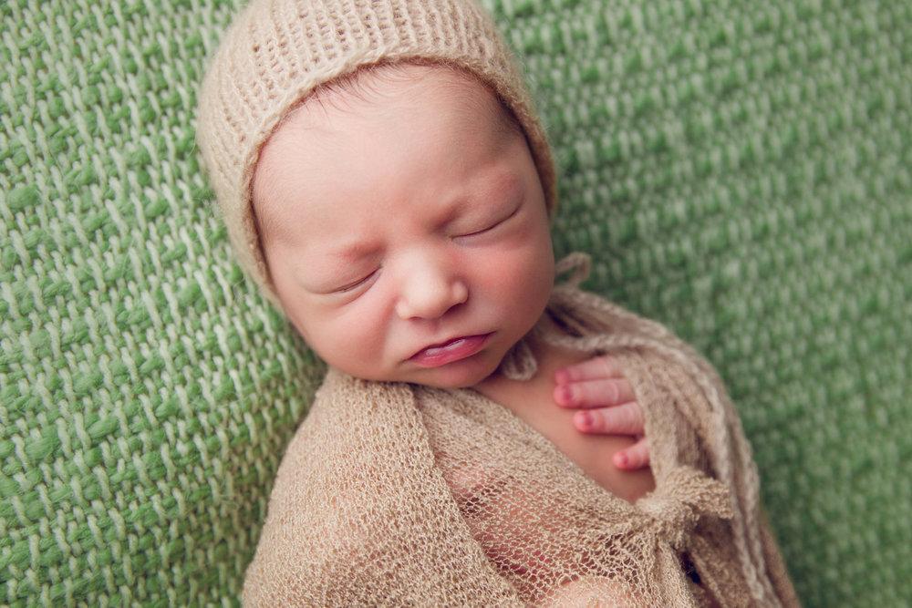 elliott newborn  (53).jpg