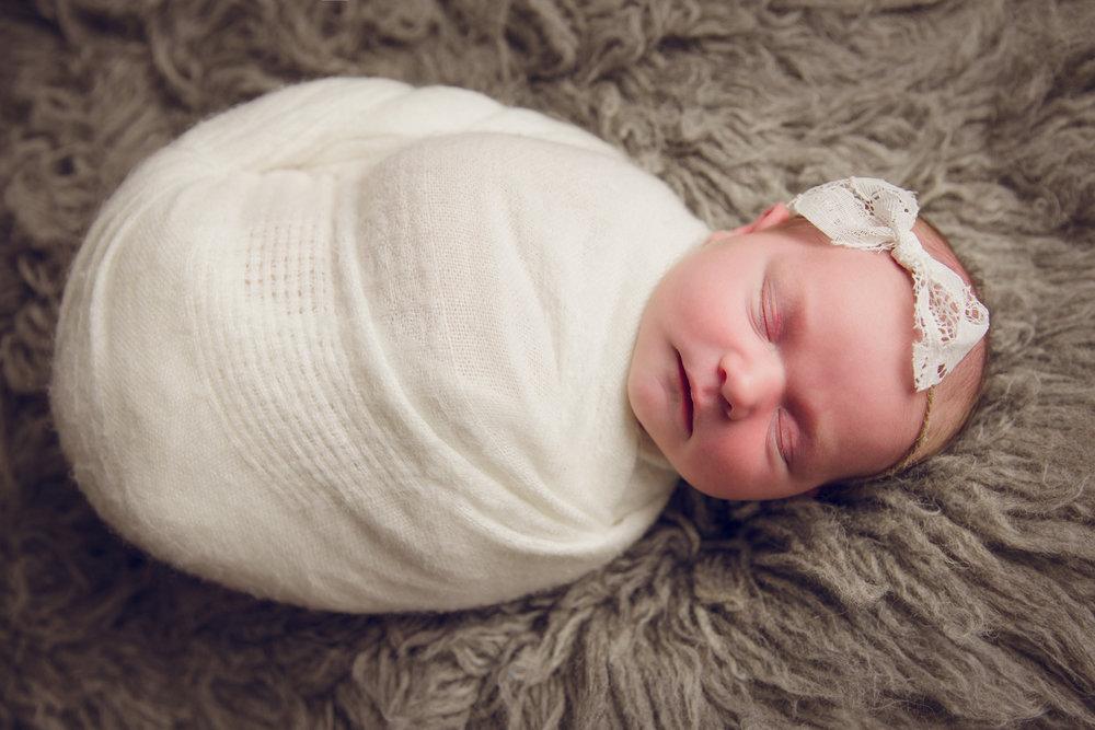 madison newborn  (8).jpg