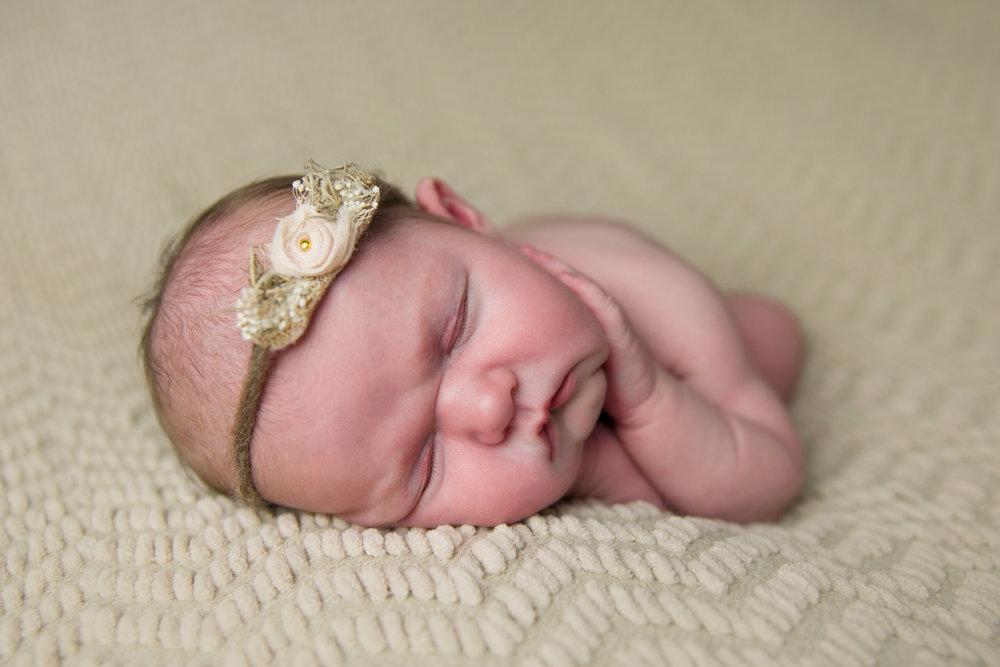 madison newborn  (37).jpg