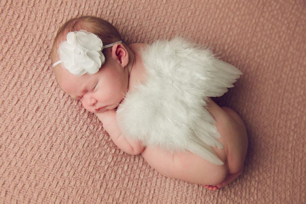 madison newborn  (44).jpg