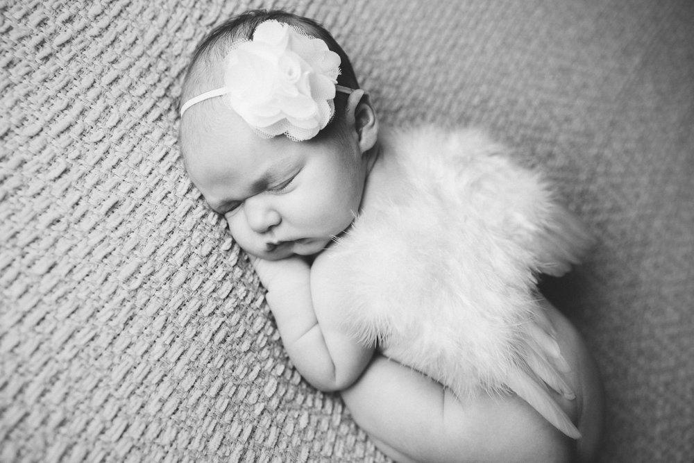 madison newborn  (47).jpg