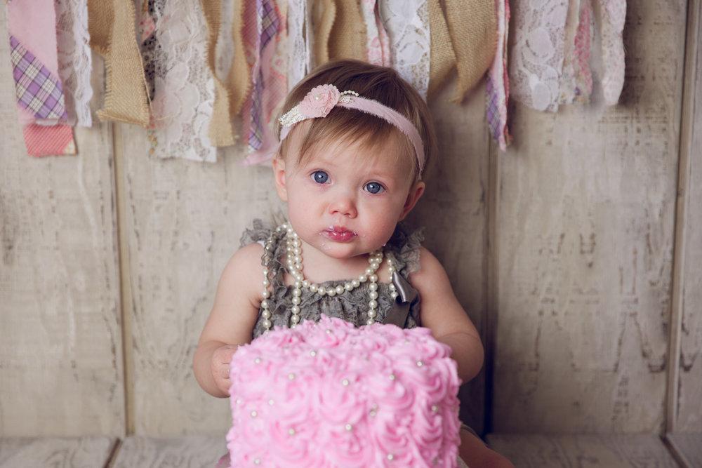 mackenzie cake smash -24.jpg
