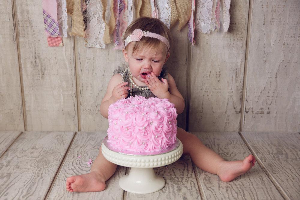 mackenzie cake smash -28.jpg